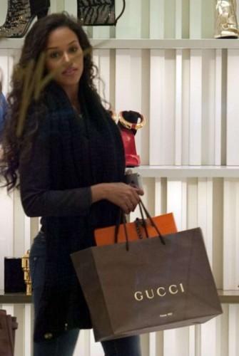 fanny neguesha, shopping, milano, amica, balotelli, foto,gossip,news,notizie,calcio,amore,vip,diva