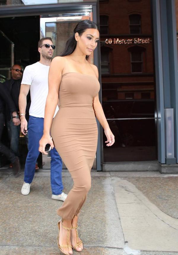 Kim-Kardashian-Spanx-02