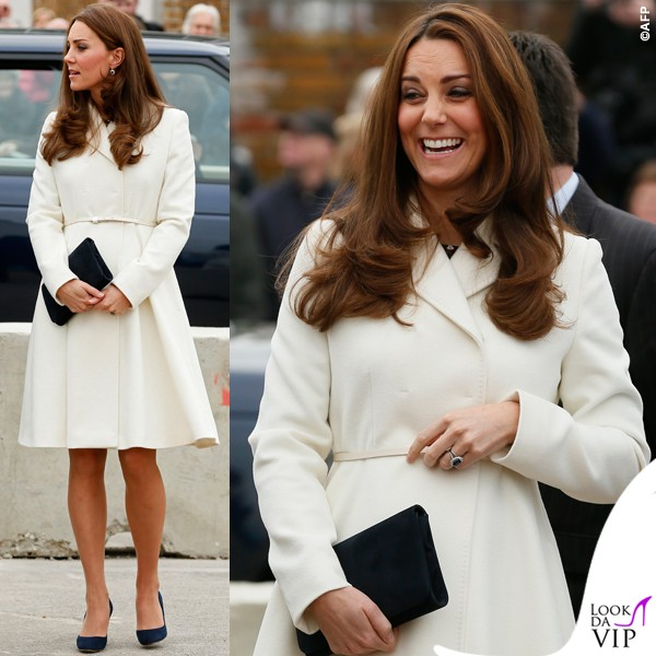 Kate-Middleton-Portsmouth-cappotto-Max-Mara-abito-Alice-Temperley-scarpe-Jimmy-Choo-3