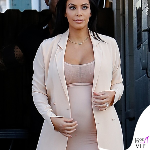Kim-Kardashian-abito-premaman-2