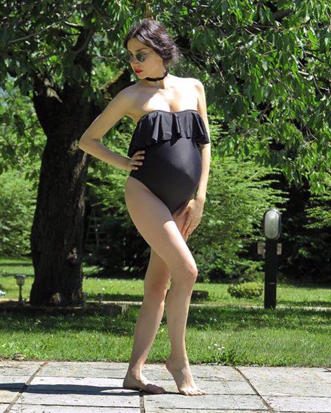 Grande Fratello, Francesca Rocco in costume col pancione: