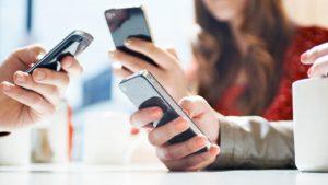 cellulari smartphone ragazzi